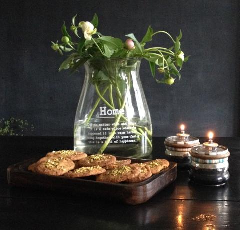 småkager med hvid chokolade og lakrids