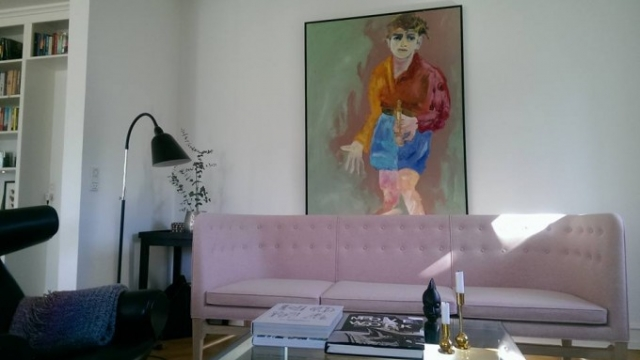 Den rosa sofa er landet!