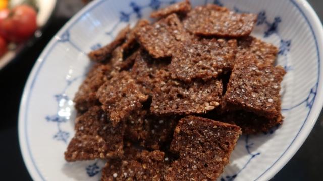 Sprøde delikate rugbrødssnacks