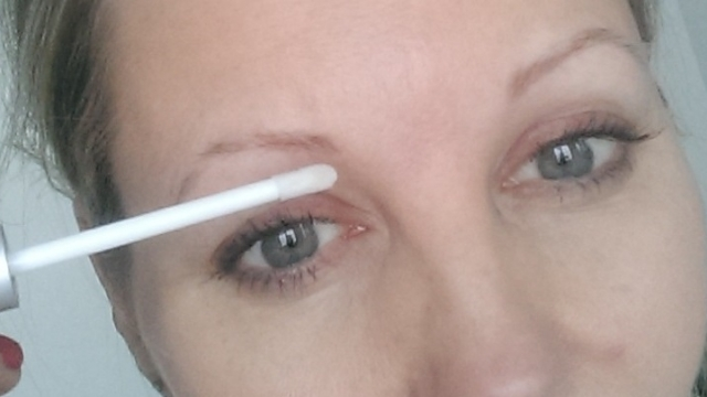 Virker øjenbrynsserum?
