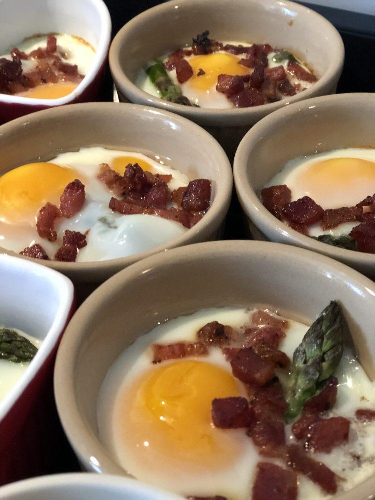 bagte æg opskrift