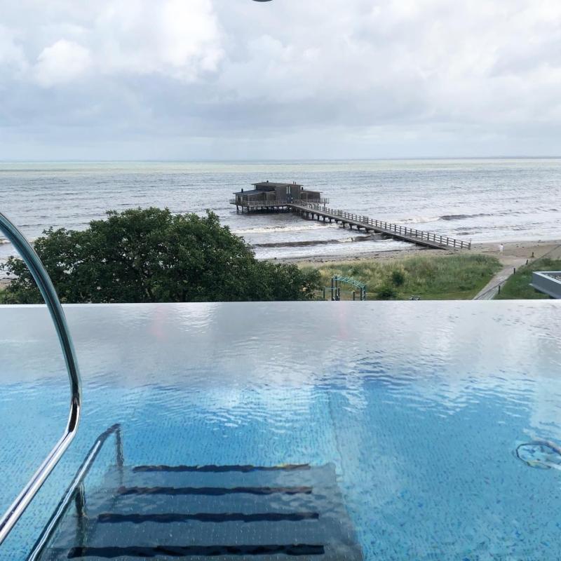 Rooftop pool på Hotel Skansen