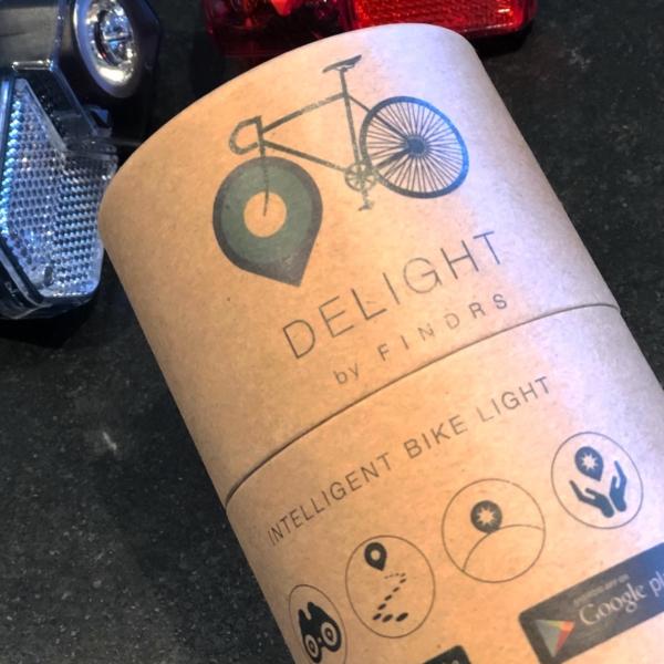 Intelligente cykellygter med tilhørende app med tracker og auto tænd og sluk.