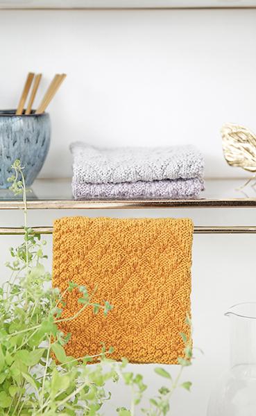 Smukke strikkede karklude købt hos Louise Dorph.