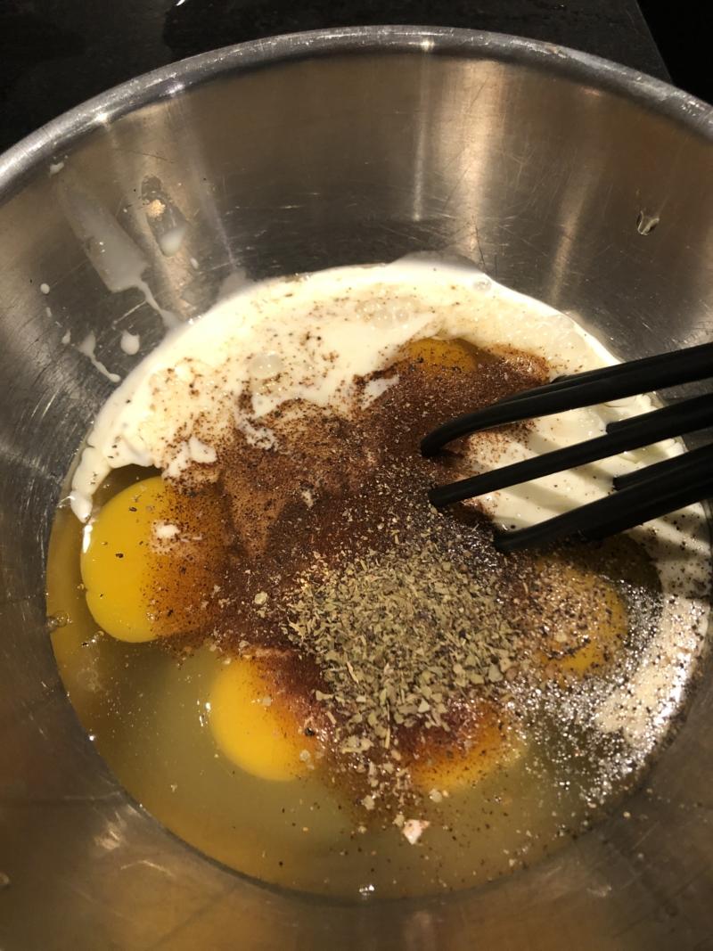 Æggeret i ovnen er nemt og lækkert og kræver næsten ingen tid og opvask.