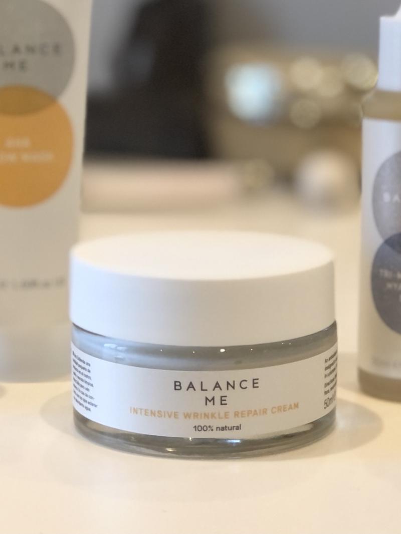 100% naturlig antiage creme fra Balance Me nærer i dybden og beskytter hudens yderste lag.