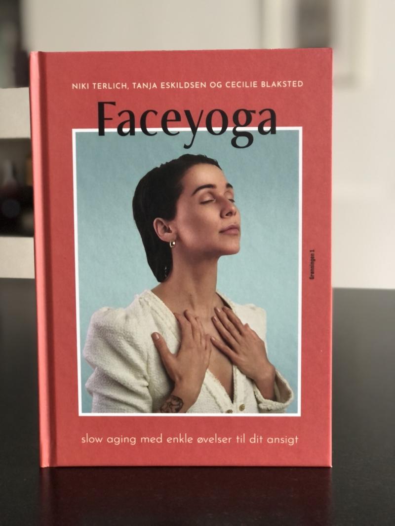Faceyoga er brugbar og inspirerende til at gøre noget dejligt og ekstra for sig selv i form af en nem træning for hele ansigtet