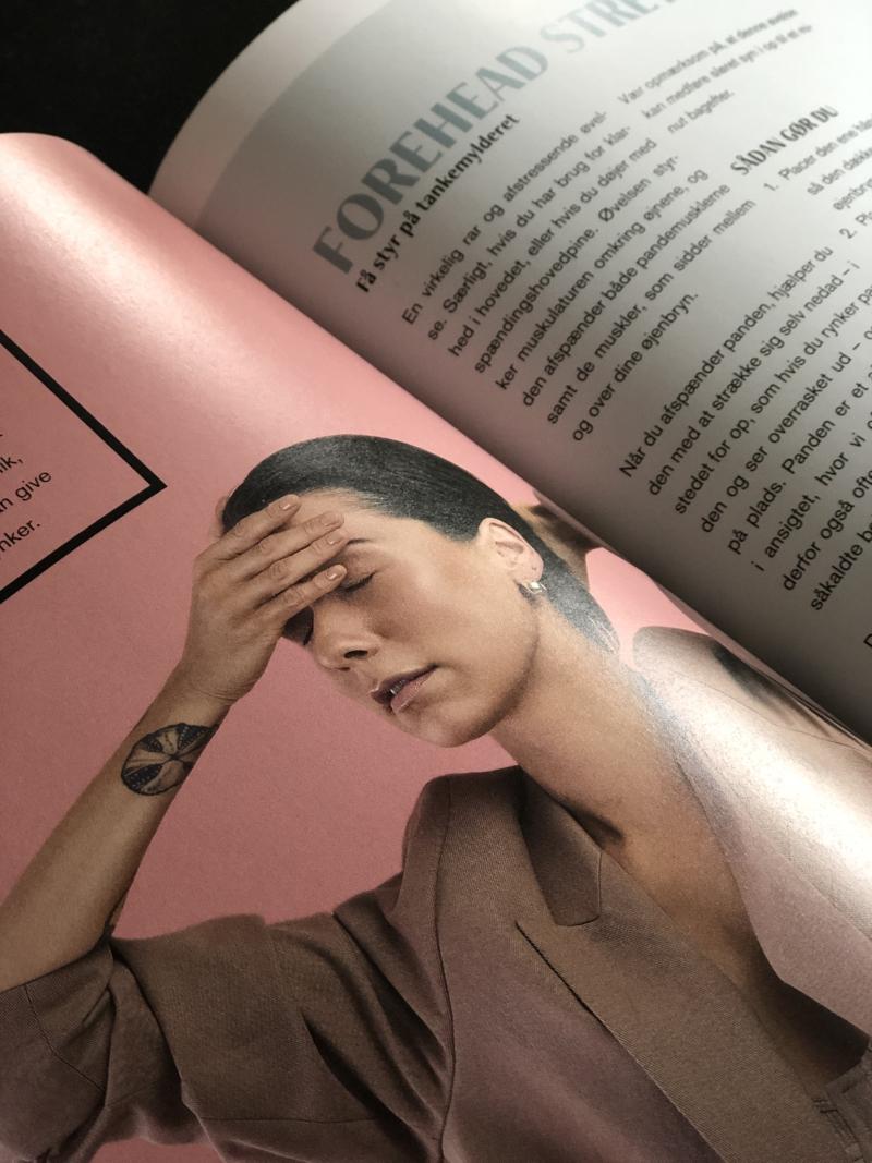 I bogen Faceyoga får du både øvelser til opstramning og afspænding af musklerne.