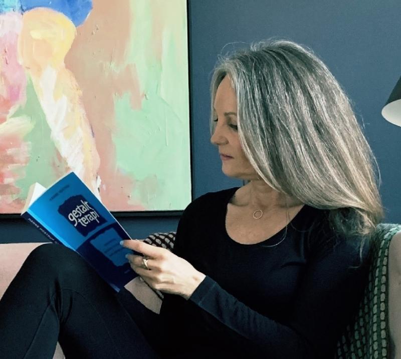 På min blog kan du læse om mit studie til psykoterapi på Nordisk Gestalt Institut.