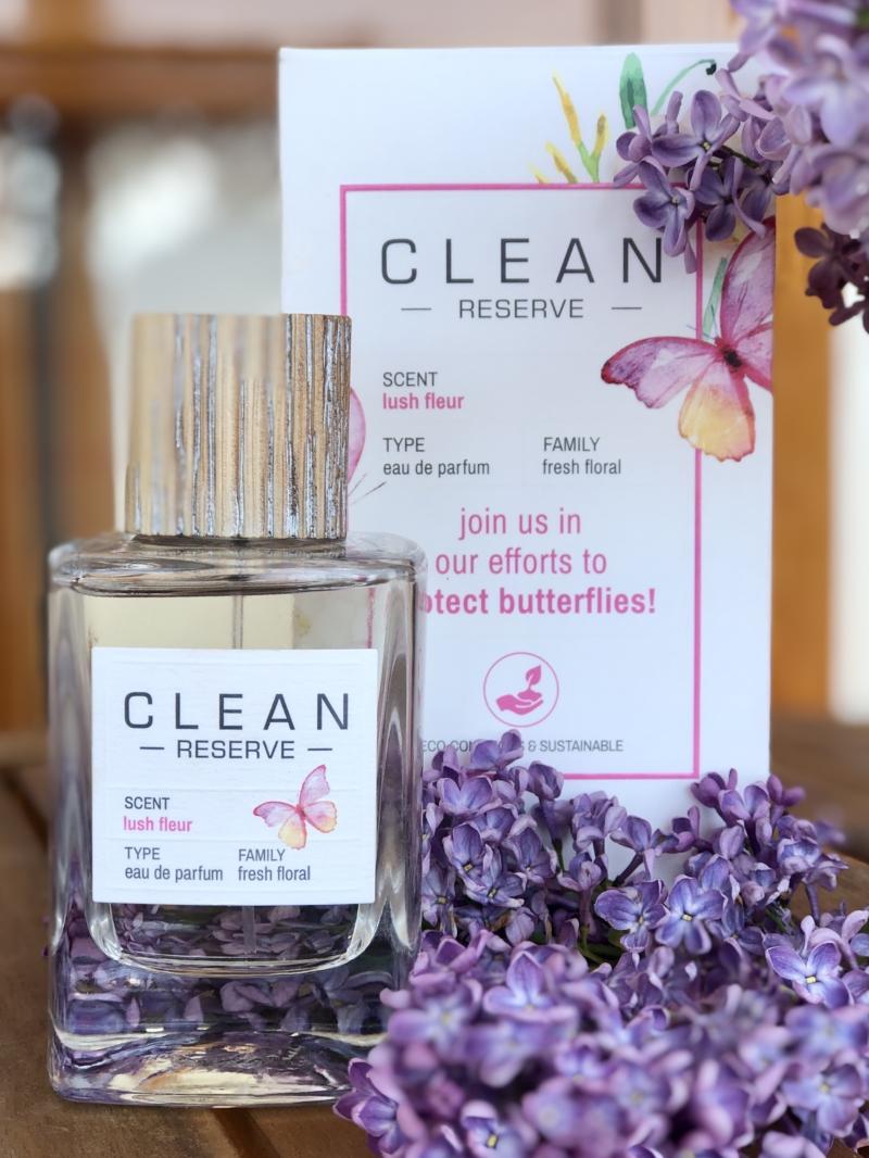 Lush Fleur er en Limited Edition Eau de Parfum skabt af CLEAN til støtte for Earth Day Network i indsatsen for at hjælpe med at beskytte klodens sommerfugle.